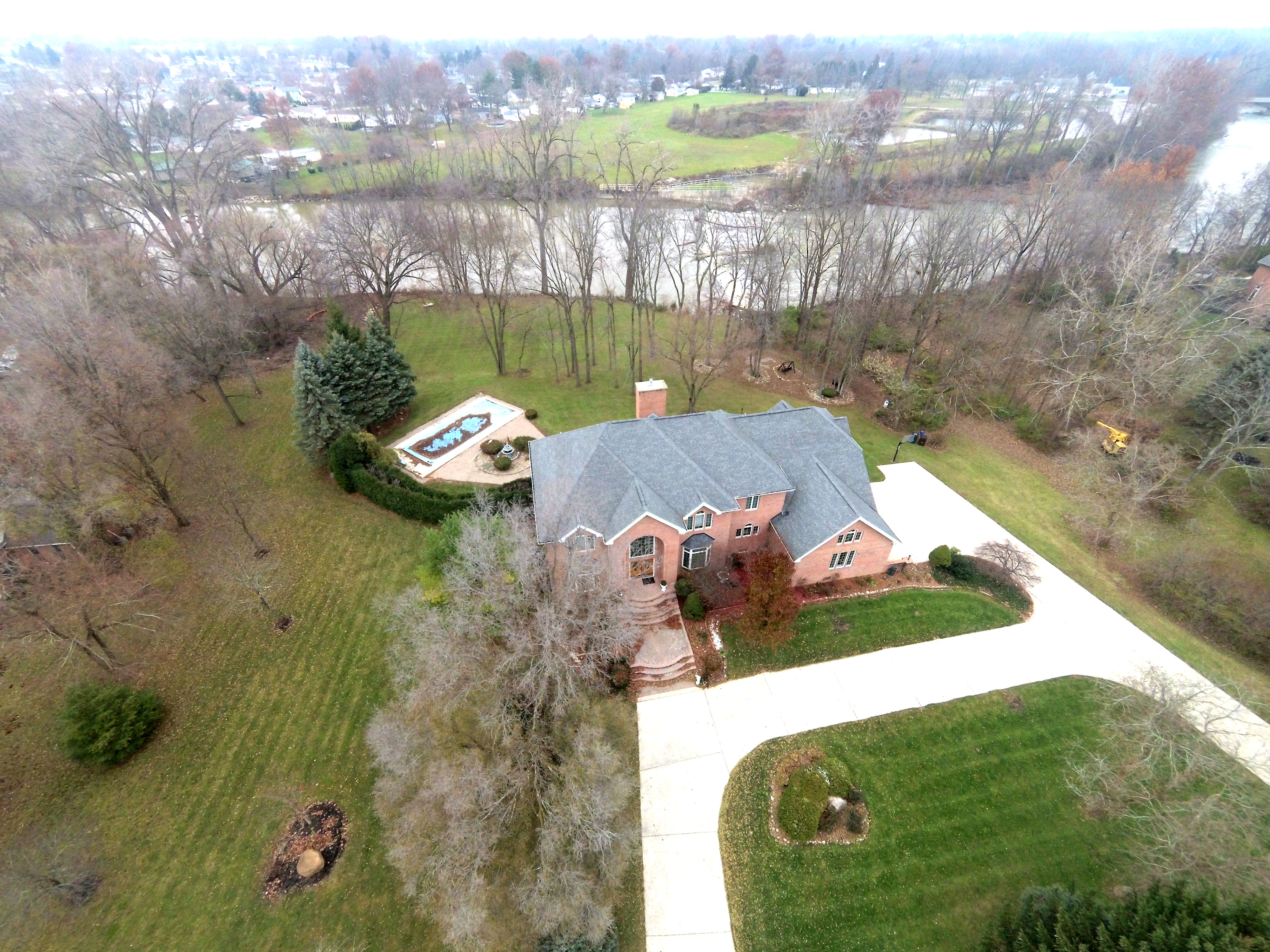 Professional Real Estate Photography – New Heights Aerial